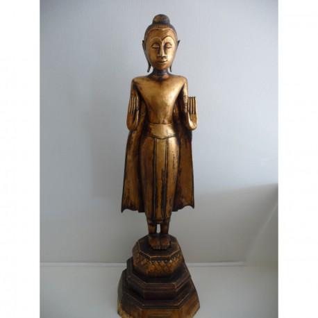 Træ Buddha 100