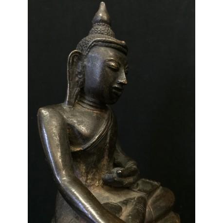 Bronze Buddha 220